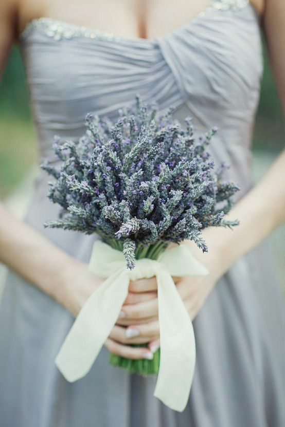 bridesmaid's dress and lavendar bouquet